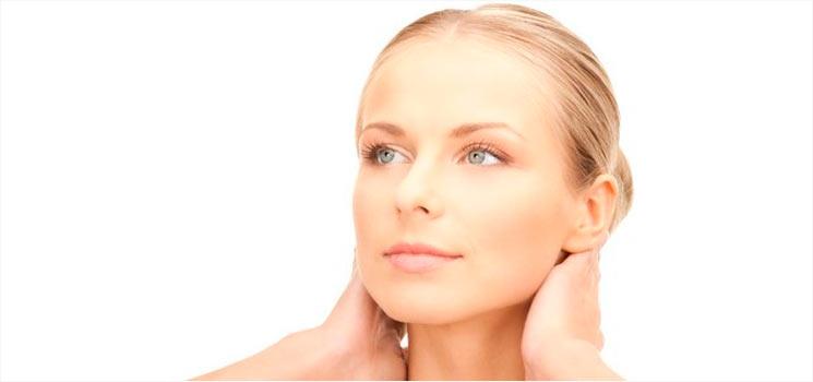 Nasolabialfalten oder Nasen / Wangen Falten unterspritzen mit Hyaluron